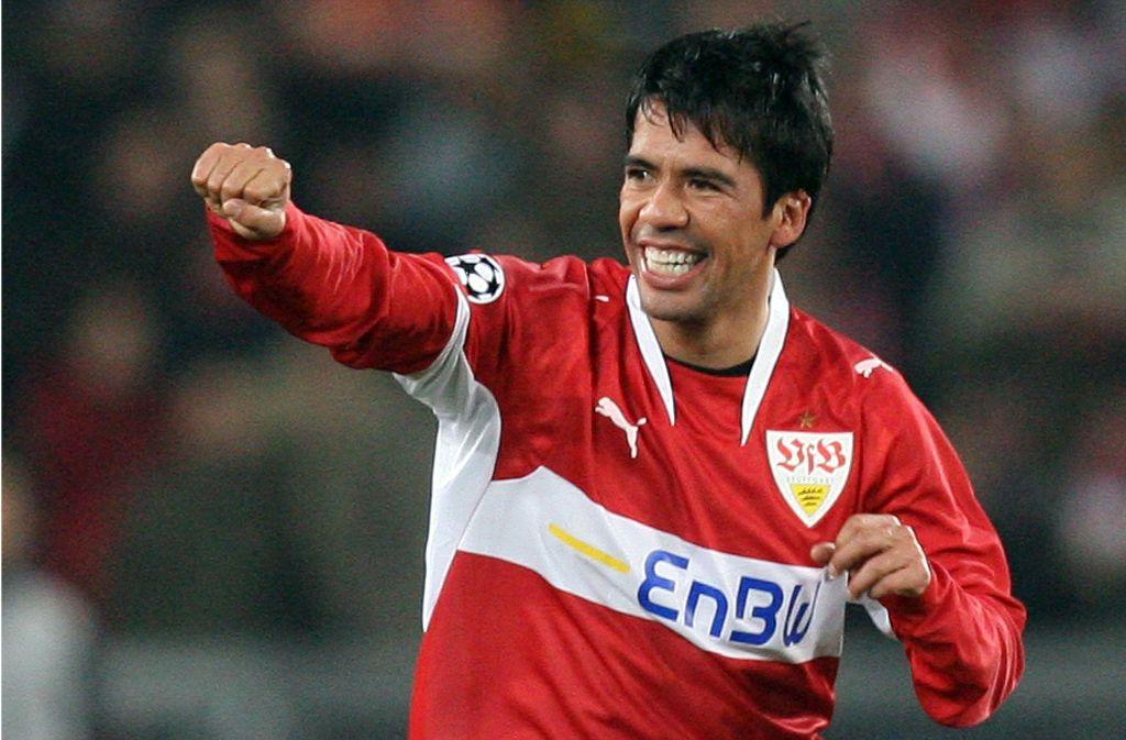"""Ex-VfB-Spieler Pavel Pardo hat selbst 148 Länderspiele absolviert und hält noch immer zu """"El Tri"""". Foto:dpa Foto:"""