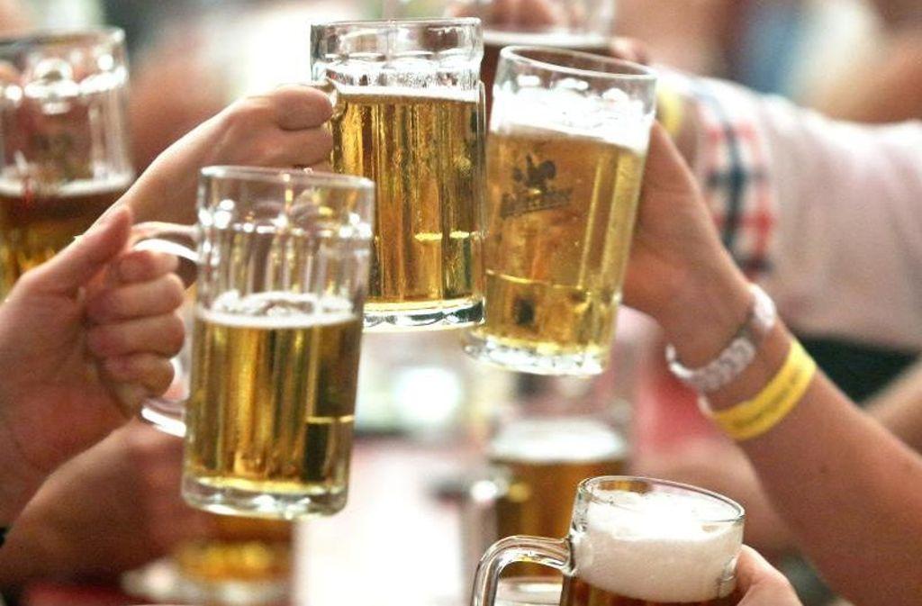 Ein kleines Bier am Tag gilt bei Frauen bereits als riskanter Konsum. Foto: dpa