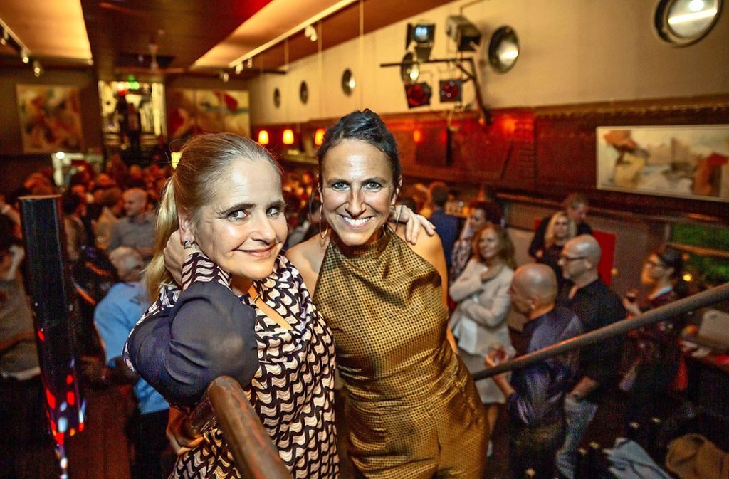 Die Gastgeberinnen Cordula Polster  und Christina Semrau (v.l.) Foto: Lichtgut/Julian Rettig