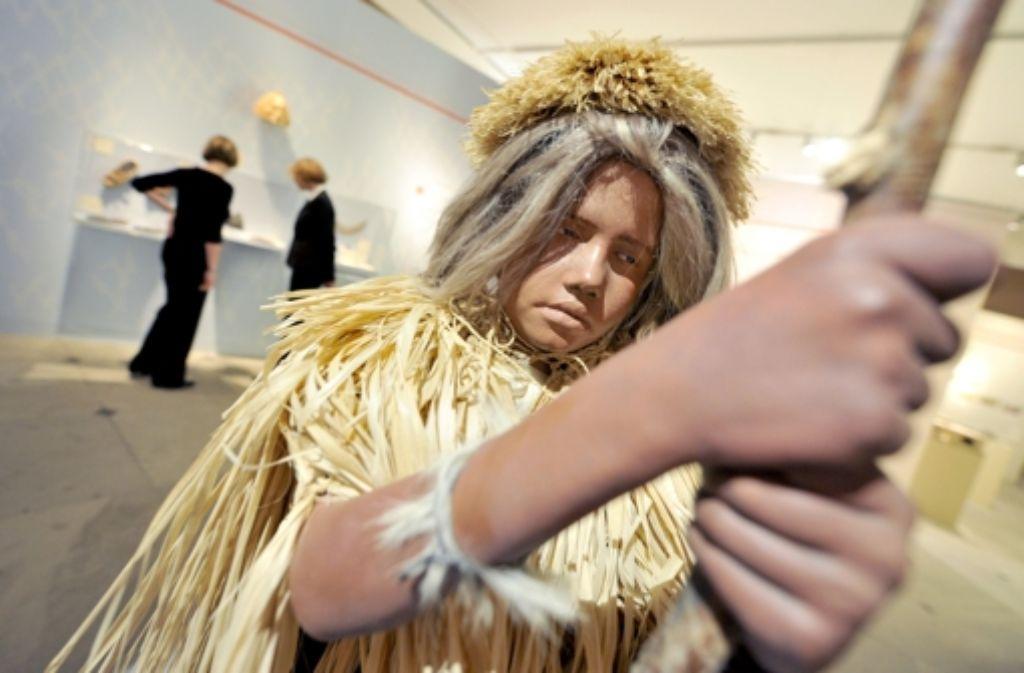 Der Körper des modernen Menschen sei nicht für das Leben in modernen Zeiten optimiert worden, sagt der Autor Daniel Lieberman. Unser Bild zeigt eine frühere Ausstellung im Badischen Landesmuseum in Karlsruhe zur Jungsteinzeit. Foto: dpa