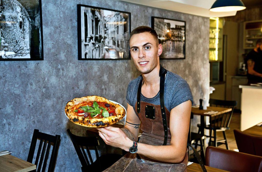 Der Pizzabäcker Nico Zingariello  spürt die Folgen  der Krise kaum. Foto: Archiv Rudel