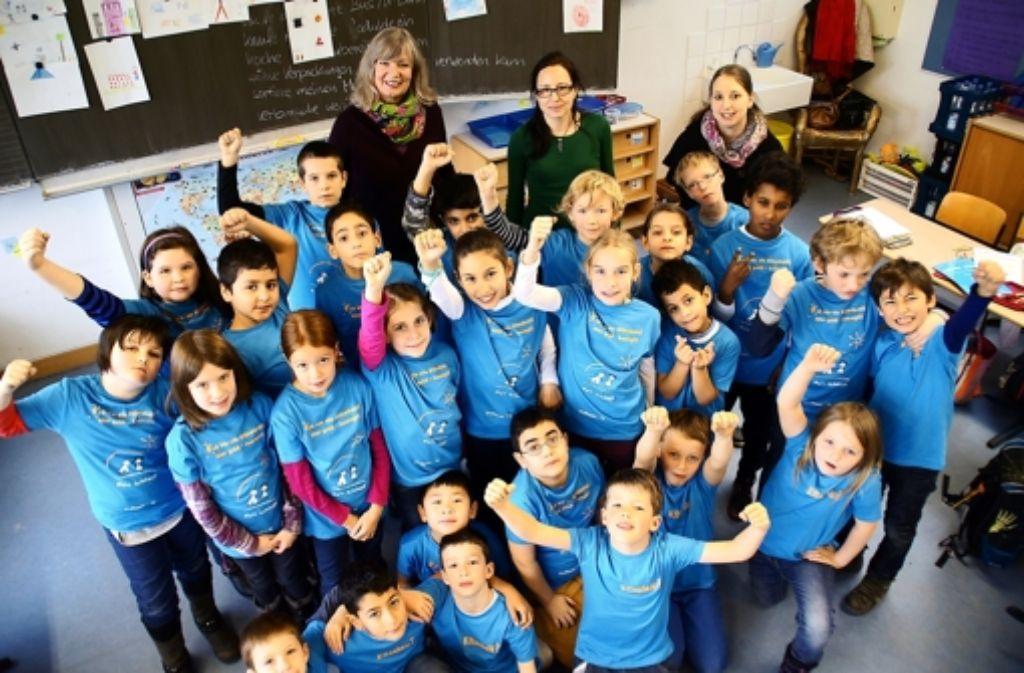 Die Schüler der Klasse 3 A haben viel über Umweltschutz gelernt und sind als Klimahelden ausgezeichnet worden. Foto: Leonie Schüler