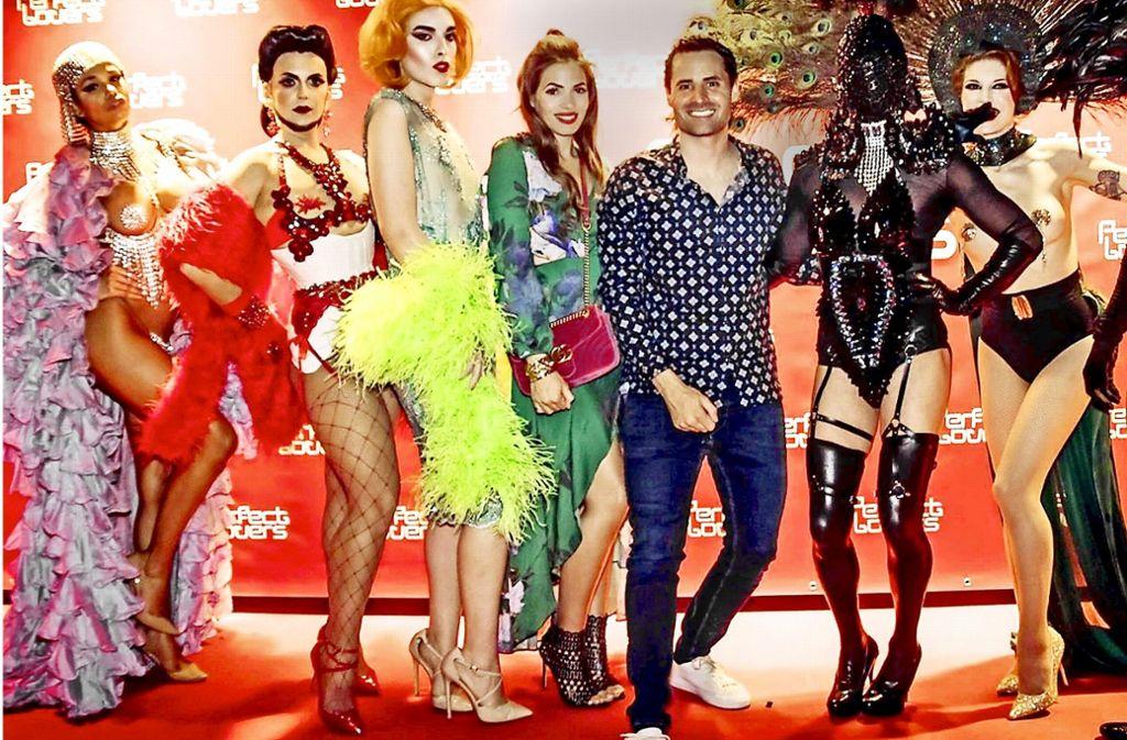Ein Foto aus besseren Taggen  des  Aer-Clubs: inhaber Benjamin Rossaro bei  der Perfect-Lovers-Party mit Gästen. Foto: Aer-Club