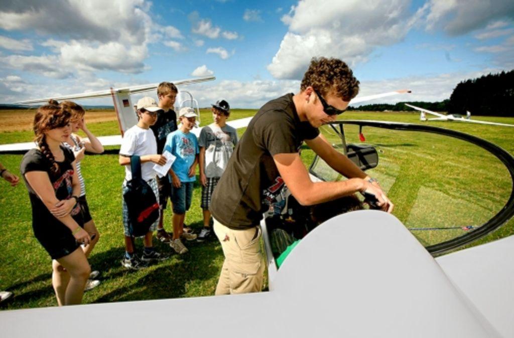 Jugendliche ab 14 Jahren können das Segelfliegen lernen. Foto: Archiv factum/granville
