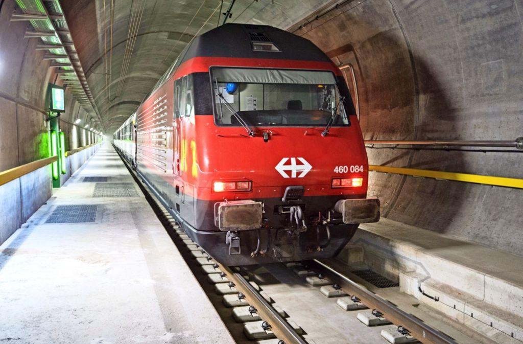 Nach 17 Bauzeit fahren ab Mitte Dezember die Züge fahrplanmäßig durch den neuen Gotthard-Basistunnel Foto: Alp-Transit AG