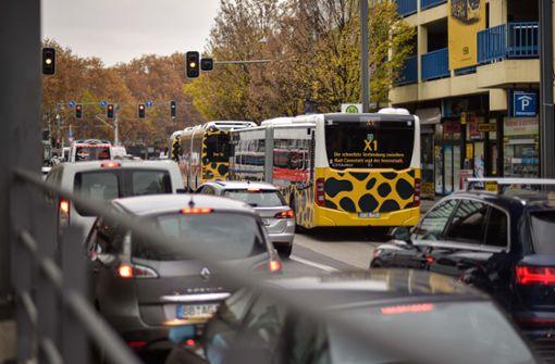 Stadt tritt beim X-1-Bus auf die Bremse