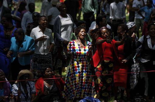 Parlament zu Amtsenthebungsverfahren Mugabes zusammengekommen