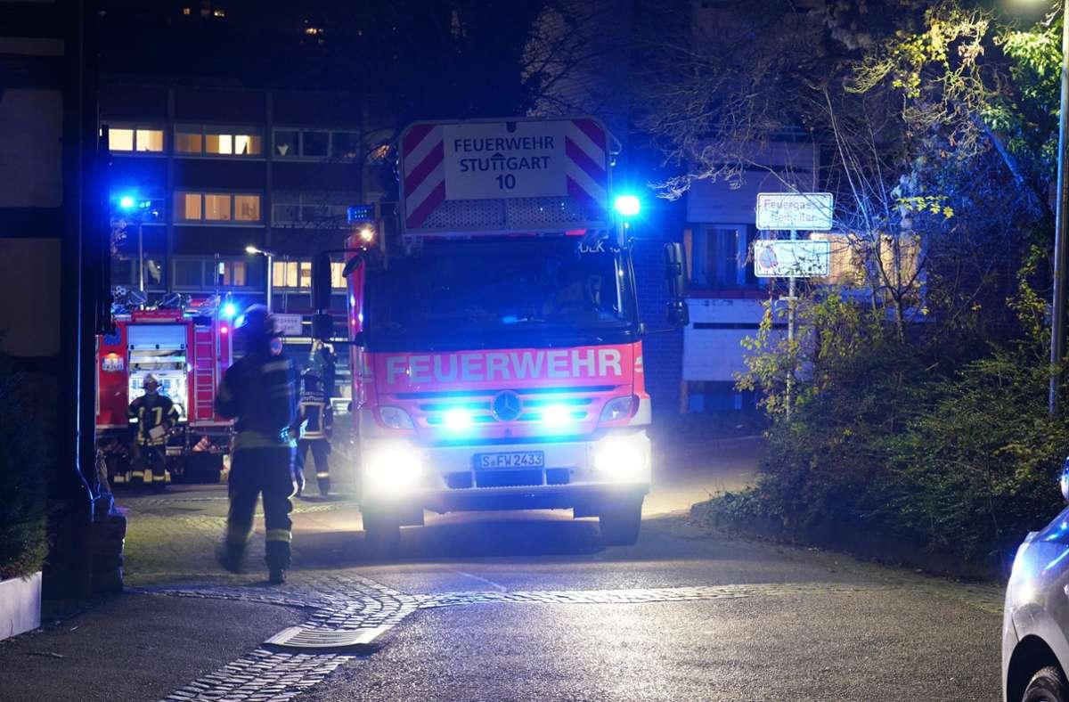 Die Feuerwehr war in Stuttgart-Münster bei einem Altenpflegeheim im Einsatz. Foto: Andreas Rosar Fotoagentur-Stuttg