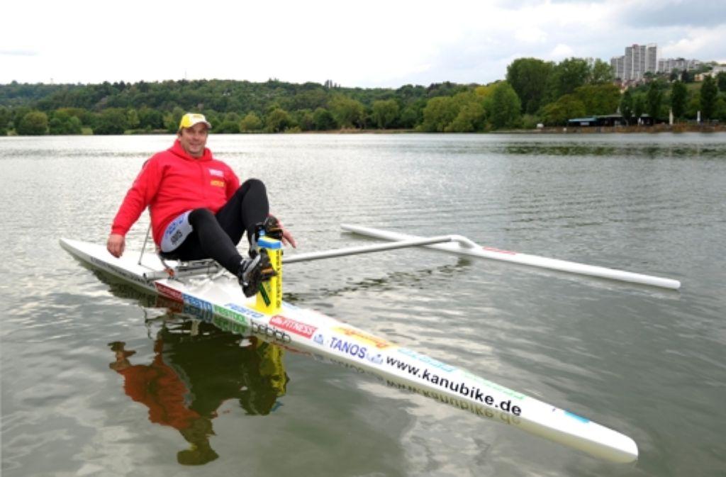 In der Nacht ist der Kanubiker Ingo-Kai Schoffer (hier auf einem Archivbild auf dem Max-Eyth-See in Stuttgart) zu einem Weltrekordversuch auf dem Bodensee gestartet. Foto: dpa