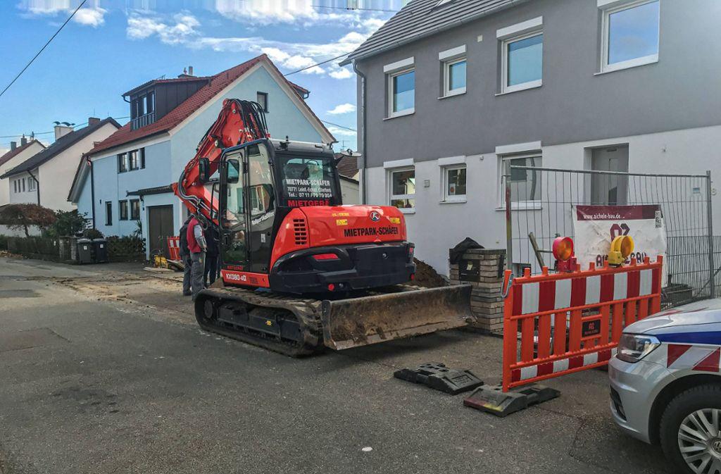 Der Baggerfahrer rief die Feuerwehr, die zu dem Vorfall nach Ostfildern ausrückte. Foto: 7aktuell.de/Max Rühle/www.7aktuell.de/Max Rühle