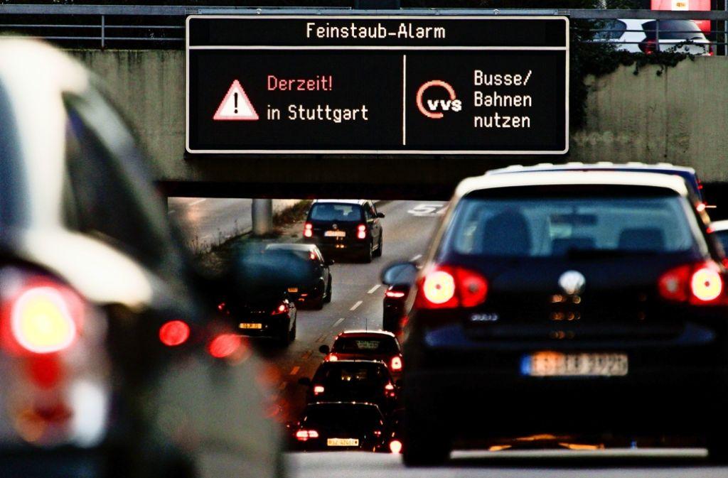 Ab Oktober werden Autofahrer  bei  Feinstaub wieder alarmiert. Foto: Lichtgut/Leif Piechowski