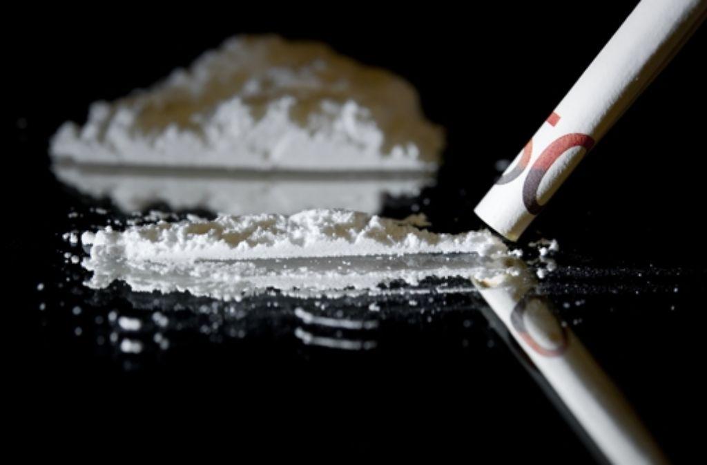 Rund 5,5 Kilogramm Kokain sollen sich die Angeklagten besorgt haben. Foto: dpa