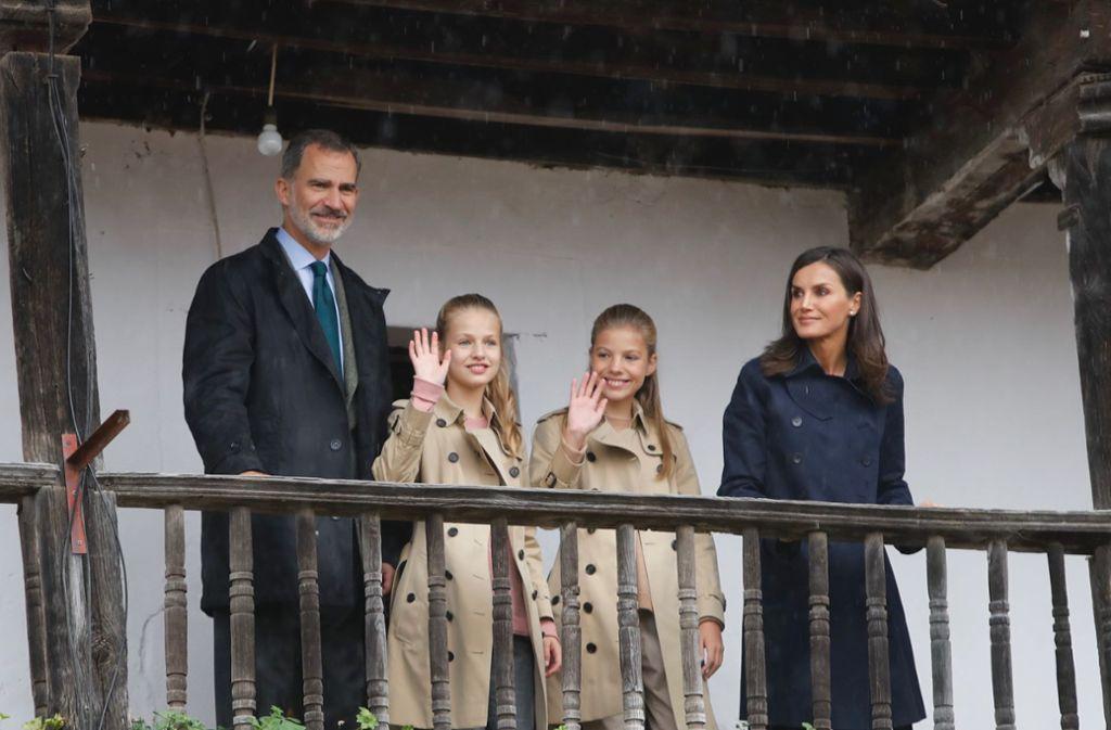 Felipe von Spanien und dessen Frau Letizia mit den beiden Kindern Leonor und Sofia ... Foto: Europa Press