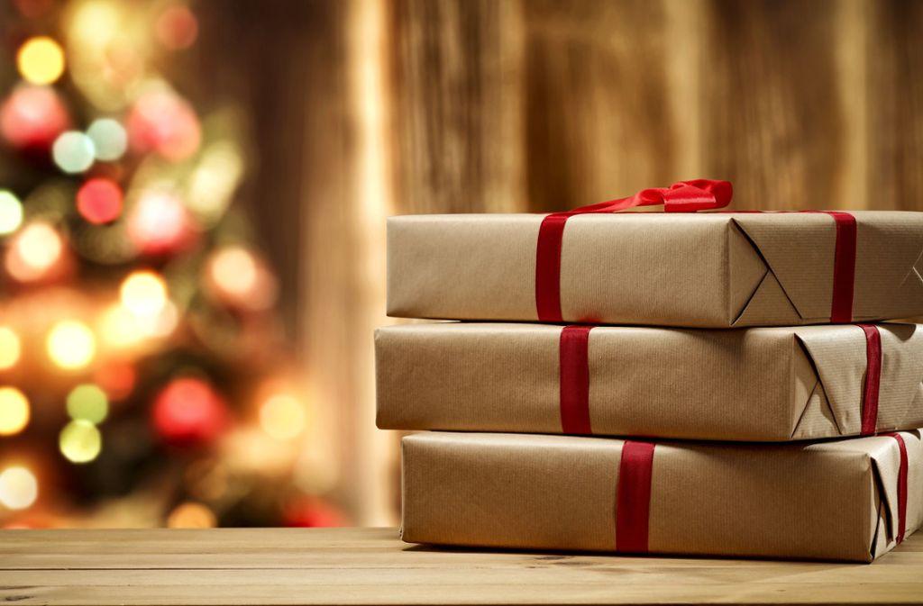 Sie sind auf der Suche nach einem Geschenktipp für Weihnachten? Wie wäre es mit einem Sachbuch? Wir haben ein Paket mit Empfehlungen geschnürt. Die Tipps finden Sie in der Bildergalerie. Foto: Adobe Stock/Oleh