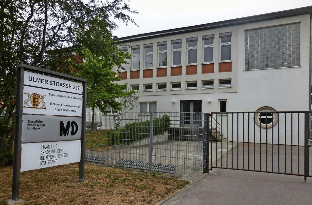 Die Modeschule ist im Gebäude an der Ulmer Straße 227  in Wangen untergebracht. Die Immobilie befindet sich in Landeseigentum. Foto: Elke Hauptmann