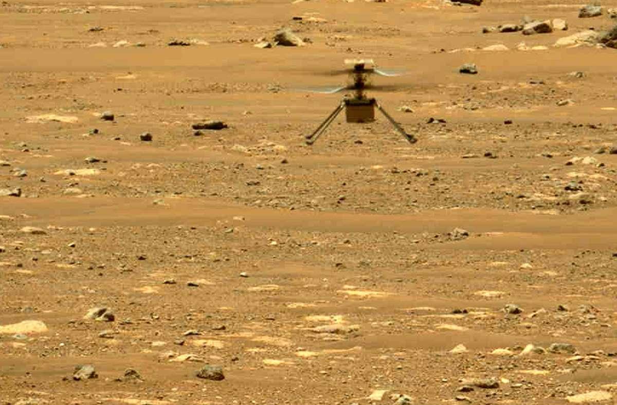 """Der  Nasa-Helikopter """"Ingenuity"""" hat seinen zweiten Flug auf dem Mars erfolgreich absolviert. Der """"Perseverance""""-Rover der Nasa machte am 22. April 2021 dieses Foto mit einer seiner Kameras. Foto: Nasa/JPL-Caltech/MSSS"""