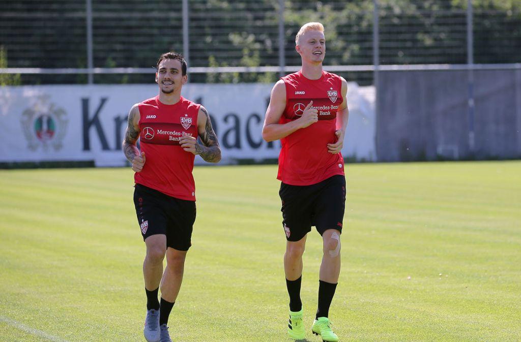 Anastasios Donis und Timo Baumgartl laborieren beide an Oberschenkelproblemen, Baumgartl hat zudem Trainingsrückstand. Es ist nicht zu erwarten, dass sie gegen Hannover 96 eingesetzt werden. Foto: Pressefoto Baumann