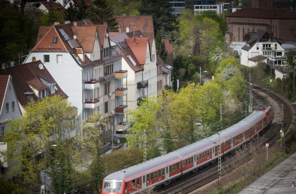 Die Gäubahn fährt mitten durch Stuttgart. Foto: Lichtgut/Achim Zweygarth
