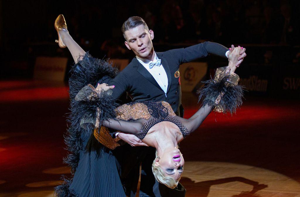 Dmitri Scharkow und Olga Kulikowa gewinnen bei den German Open Championships in Stuttgart. Foto: dpa