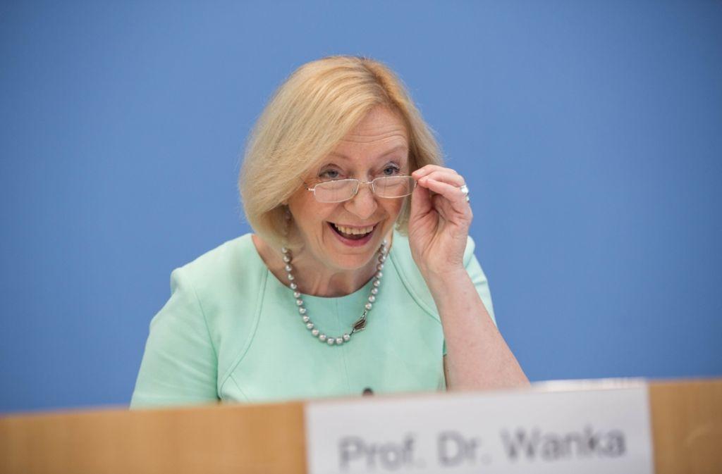 In kaum einem anderen Land sind so viele Jugendliche in Ausbildung oder in Arbeit wie in Deutschland, das zeigt eine OECD-Studie. Bildungsministerin Johanna Wanka (CDU) zeigte sich in Berlin erfreut. Foto: dpa