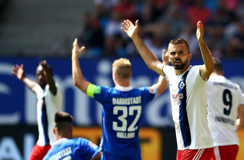 Lukas Hinterseer (rechts) vom Hamburger SV regt sich auf Foto: Getty Images
