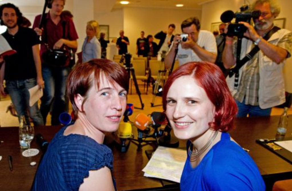 Katharina Schwabedissen und Katja Kipping (rechts) wollen die Linken jünger und weiblicher machen. Foto: dpa