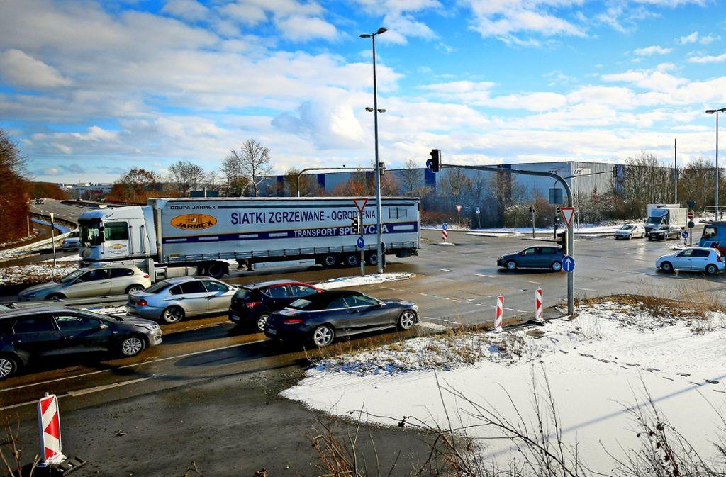 Der viel befahrene Daimler-Knoten zwischen Böblingen und Sindelfingen wird im März zur Baustelle und bis Oktober bearbeitet. Foto: factum/Granville