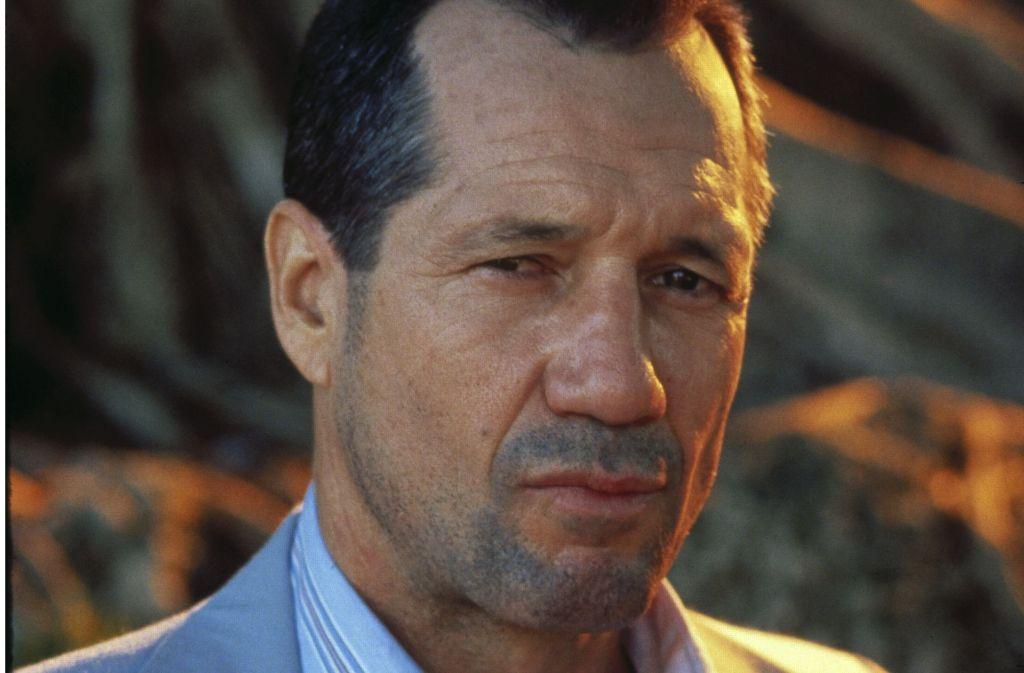 """Gestatten? Hoke Moseley alias Fred Ward. In der von Kritikern hochgelobten """"Miami Blues""""-Verfilmung von 1990 verkörpert der Schauspieler den zahnlosen, aber bissigen Sergeant aus Florida. Foto: 20th Century Fox"""
