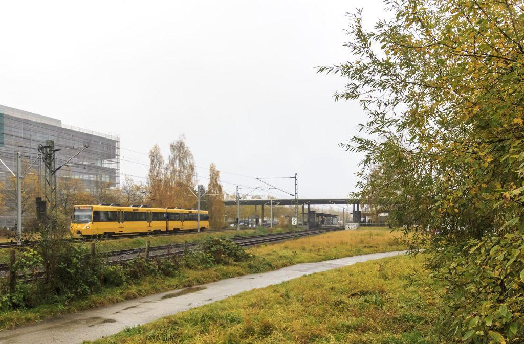 Im Bereich neben den Gleisen am Bahnhof in Leinfelden schlummern Altlasten im Untergrund. Foto: Thomas Krämer
