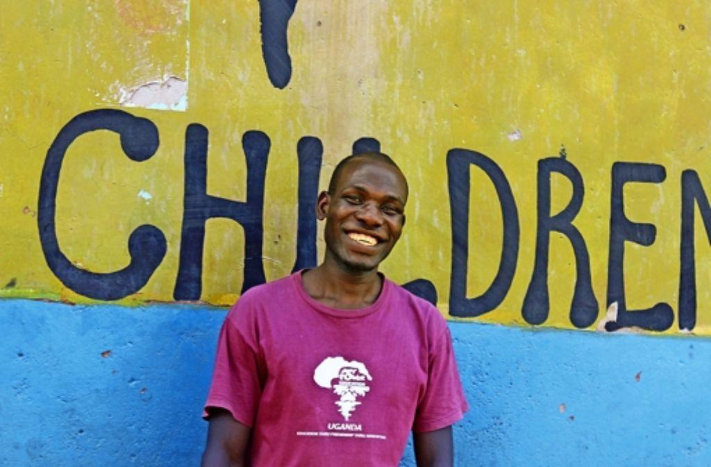 Der Ugander Aggrey Magala profitiert langfristig von  einer Hilfsorganisation. Foto: Nedo