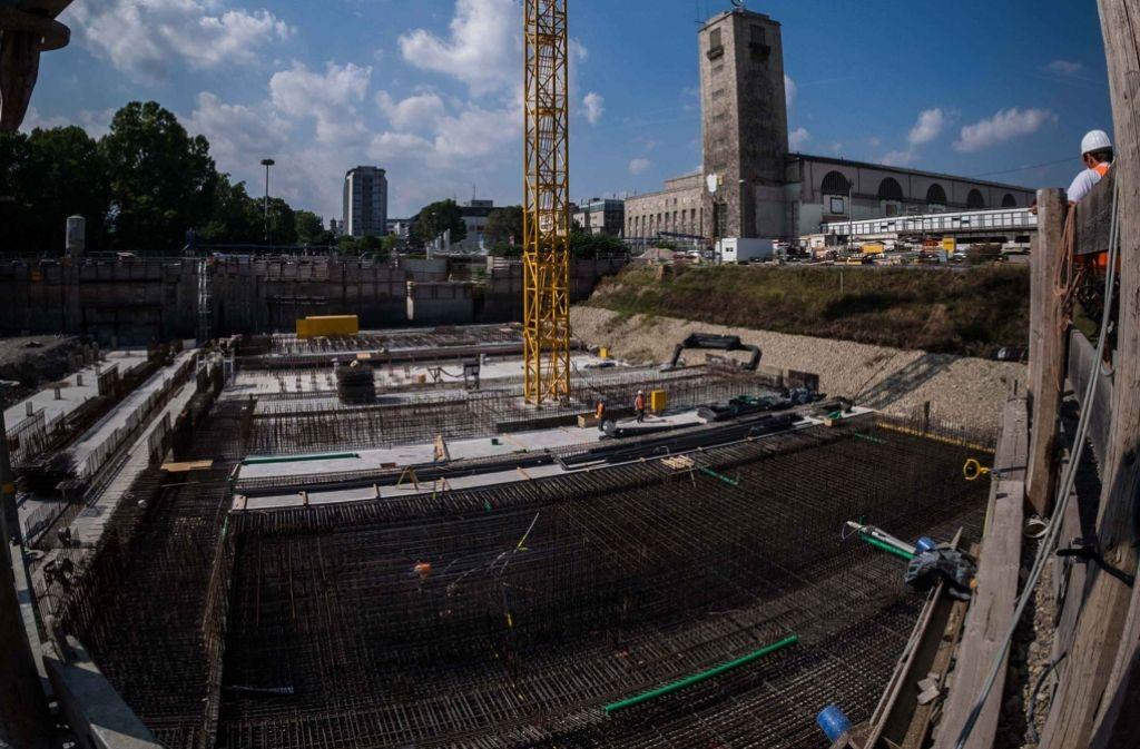 Im Schlossgarten wird der erste Abschnitt des neuen Hauptbahnhofes betoniert. Im Rathaus soll nochmals über technische Fragen und die Finanzierung gesprochen werden. Foto: Lichtgut/Max Kovalenko