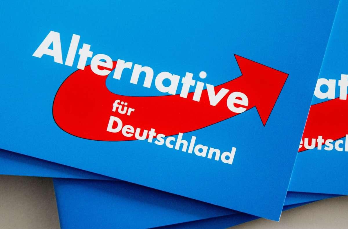 Die AfD ringt sich nicht dazu durch, den äußerst umstrittenen Dubravko Mandic auszuschließen. (Symbolbild) Foto: dpa/Markus Scholz