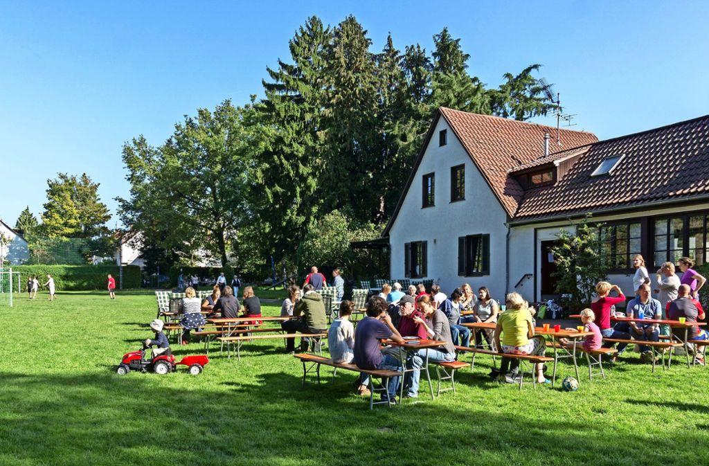 Das Plätzle ist ein Nachbarschaftstreff. Es gibt Raum für Spiele im Freien und einen Saal für Veranstaltungen. Foto: privat