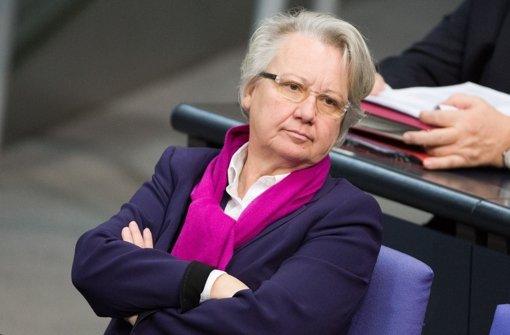 Annette Schavan droht die Aberkennung ihres Doktortitels. Foto: dpa