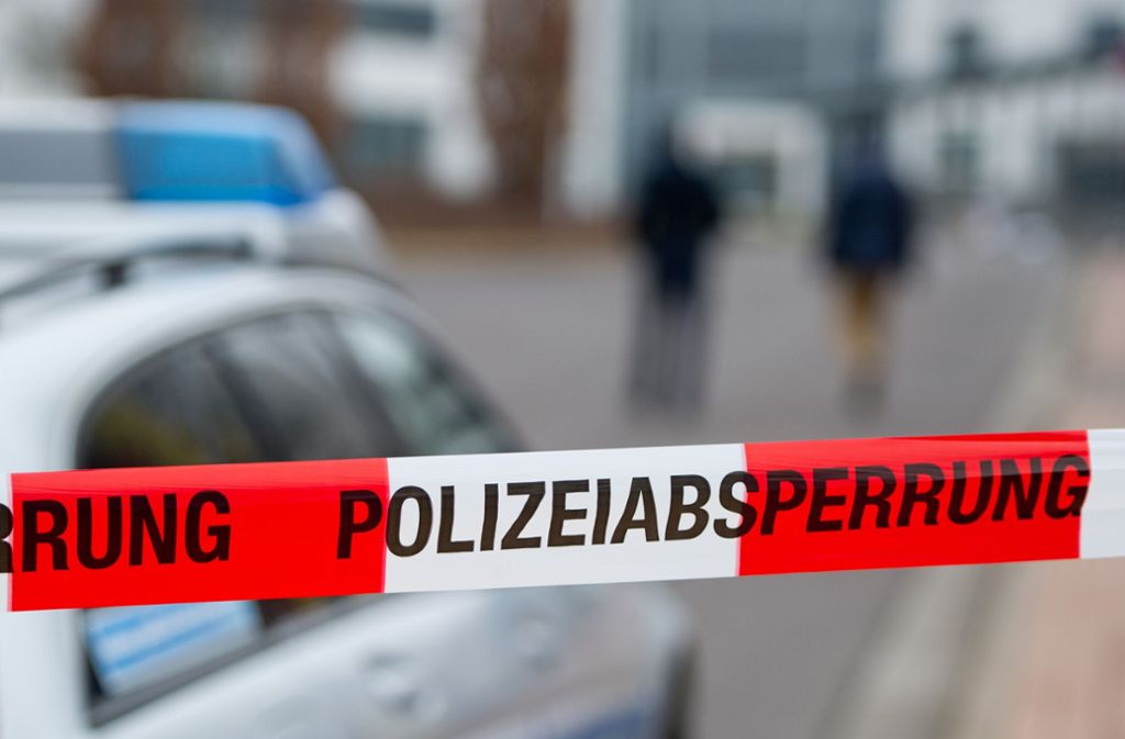 Laut Polizei könnte die Leiche schon seit vergangenem Sommer in der Gartenlaube liegen. Foto: dpa