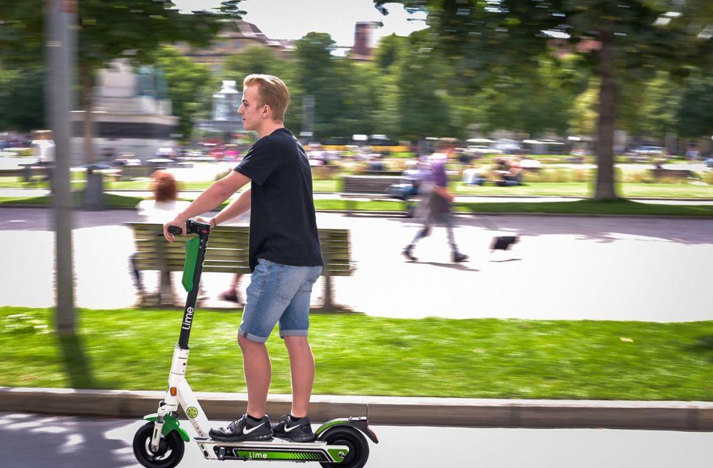 Die ersten Leihscooter rollen durch den Kessel – bislang ohne Probleme. Foto: Lichtgut