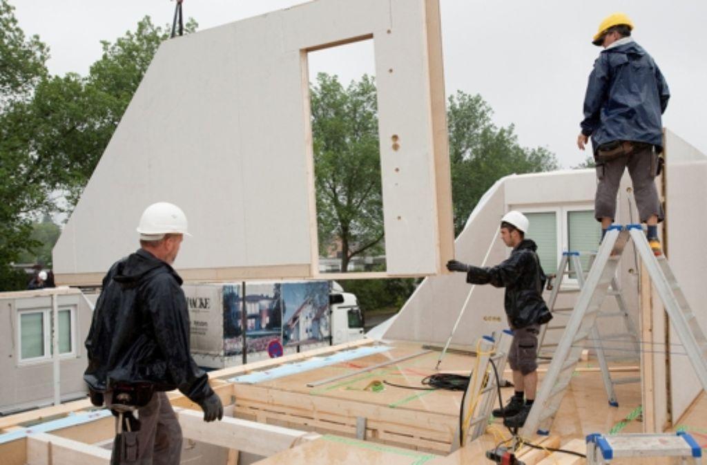 Selbst für gehobene  Durchschnittsverdiener bleibt der Bau eines Eigenheims in Stuttgart auch wegen der raren Bauplätze ein unerfüllbarer Traum. Foto: dpa