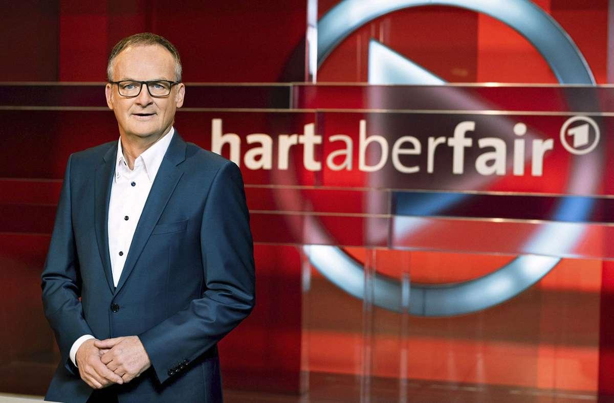 Frank Plasberg hat keine Mühe mehr, seriöse Gegner der Regierungsmaßnahmen zu finden. Foto: obs/ARD Das Erste