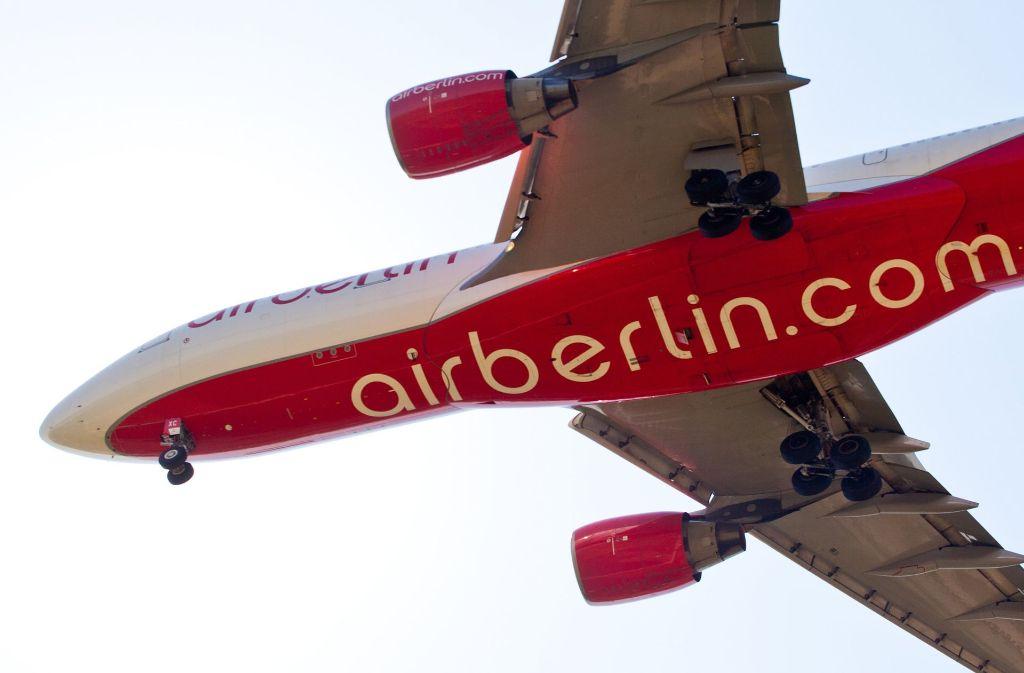 Air Berlin kann vorerst weiter fliegen. Foto: dpa