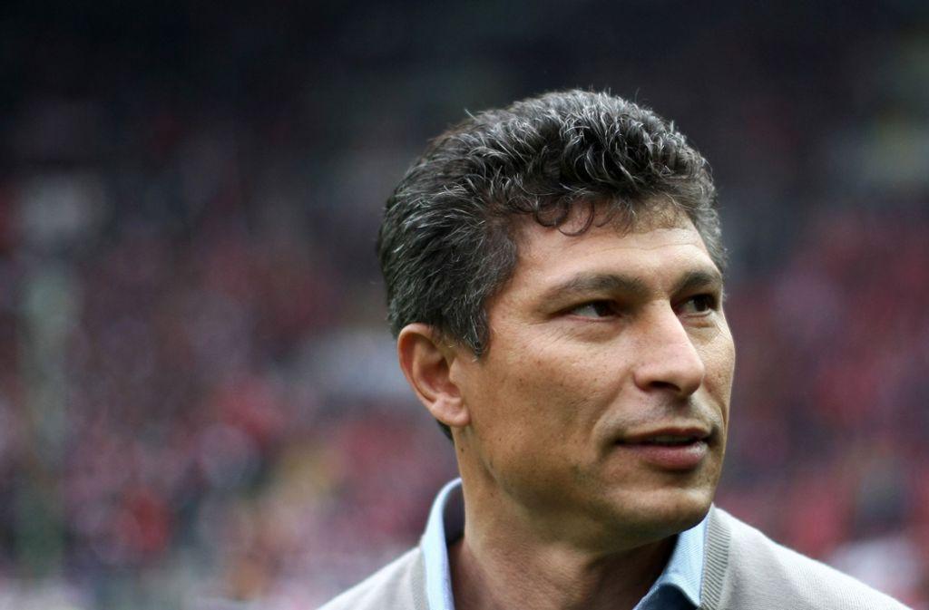 Bulgariens Nationaltrainer Krassimir Balakov will von den rassistischen Vorfällen während dem Spiel nichts mitbekommen haben. Foto: dpa/Fredrik Von Erichsen