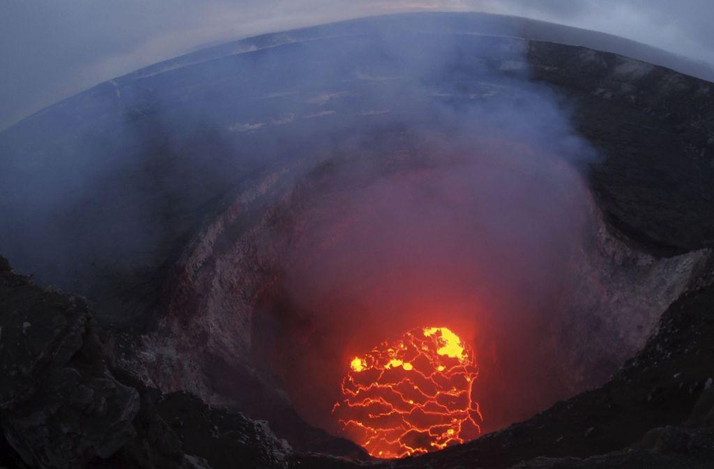 Zwei weitere Risse werden am Vulkan Kilauea entdeckt. Es sind nun insgesamt zwölf Erdspalten. Foto: U.S. Geological Survey