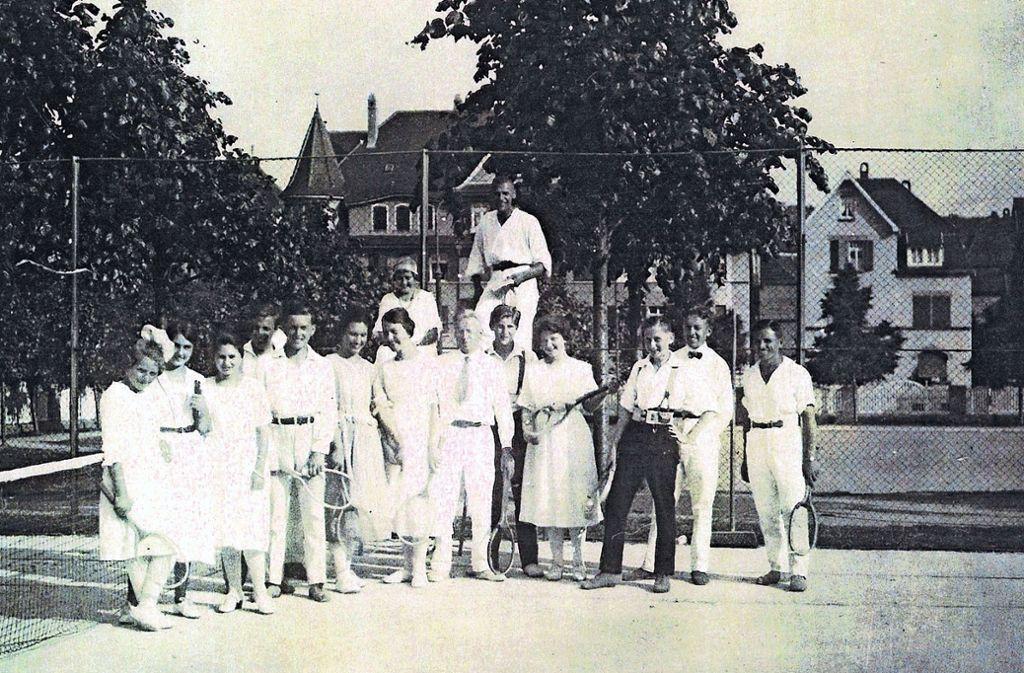 Neben der Festhalle Feuerbach befand sich in den 1920er Jahren die erste  Tennisanlage des Vereins. Foto: privat