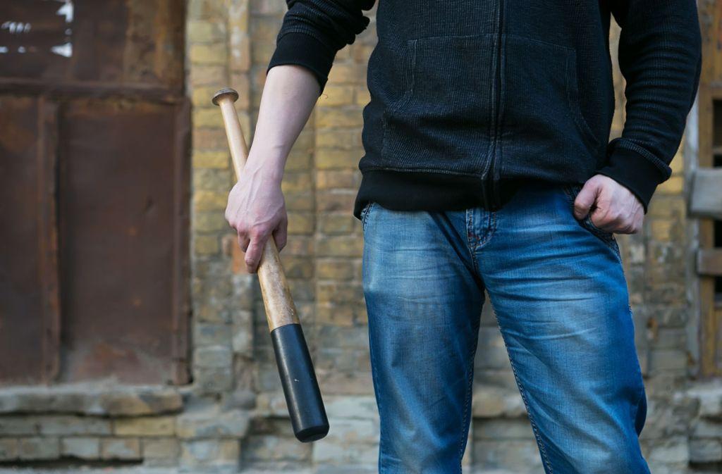In Zuffenhausen soll ein junger Mann seine Schwester mit einem Baseballschläger verprügelt haben. (Symbolbild) Foto: Shutterstock