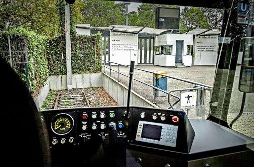 Daimler wünscht sich Stadtbahn-Haltestelle vor dem Werkstor