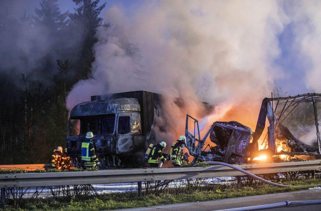 Auffahrunfall auf der Autobahn 7: Drei Menschen wurden schwer verletzt. Foto: /7aktuell.de/Simon Adomat