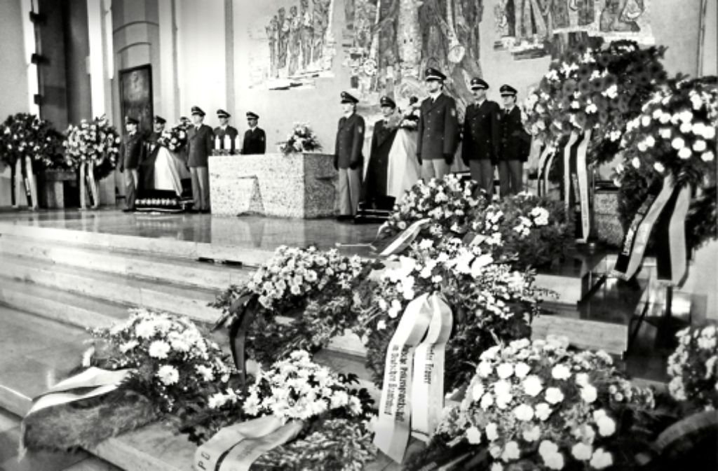 Die Anteilnahme der Stuttgarter bei der Trauerfeier für die Toten in der Domkirche St. Eberhard war groß. Das zeigen auch die Archivbilder in der Fotostrecke. Foto: Horst Rudel
