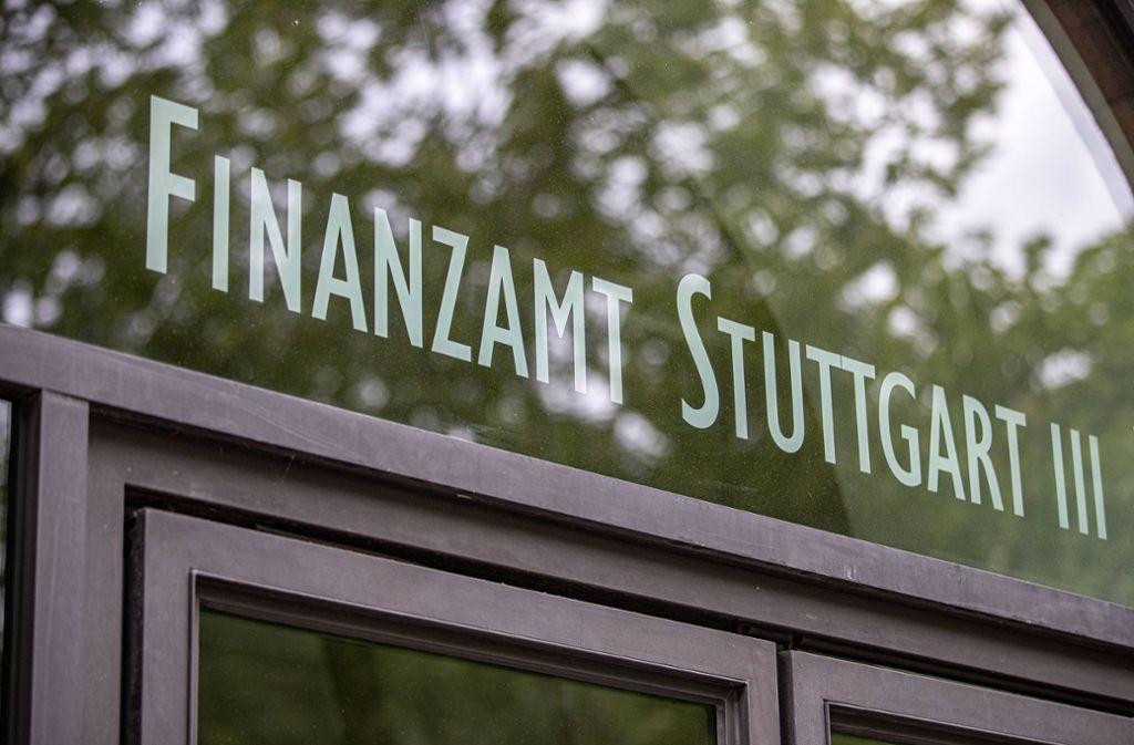 Das Stuttgarter Finanzamt hat den Verein Uniter unter die Lupe genommen. Foto: imago images/Marc Gruber