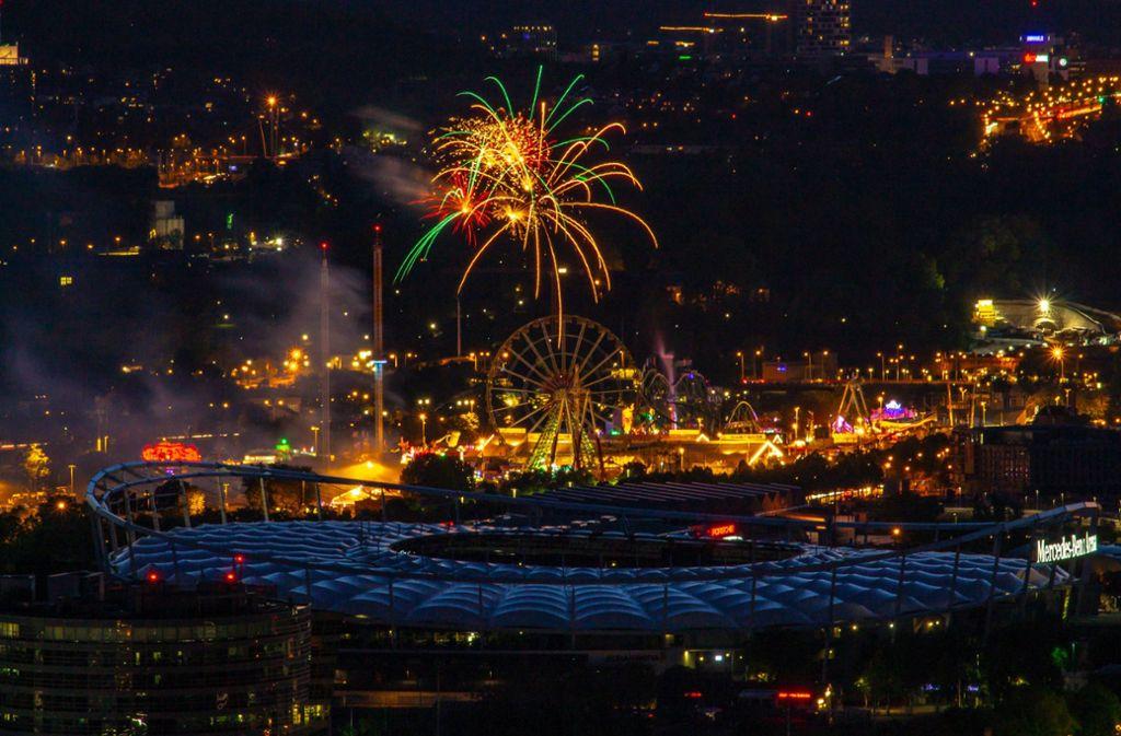 Ein großer Knall zum Schluss: Das Stuttgarter Frühlingsfest ist mit dem traditionellen Musikfeuerwerk zu Ende gegangen. Foto: 7aktuell.de/Max Kurrer