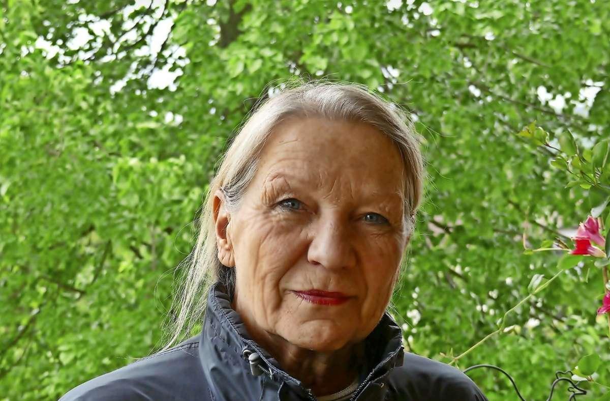 Lebt seit mehr als 40 Jahren mit einer fremden Niere: Sylvia Mehlbeer aus Adelberg. Foto: Sabine Ackermann
