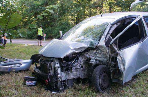 Autofahrer kracht frontal in Lkw – 54-Jähriger ringt mit dem Tod